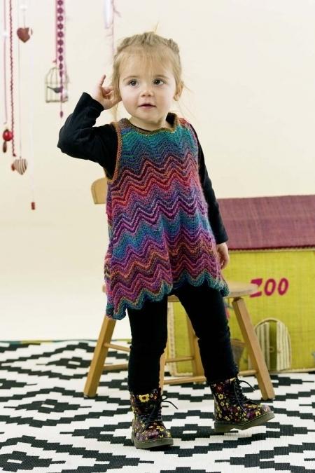 Детское платье из пряжи Lang Yarns Mille Colori Baby