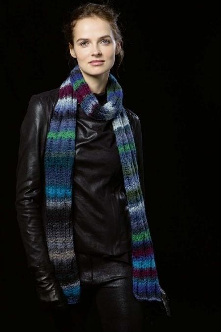 Полосатый шарф из пряжи Lang Yarns Viva
