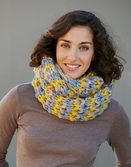 Трехцветный снуд из пряжи Katia Love Wool