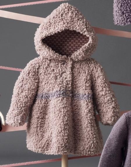 Детское пальто с капюшоном из пряжи Katia Bombon