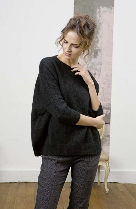 Черный свитер из пряжи Lang Yarns Nova